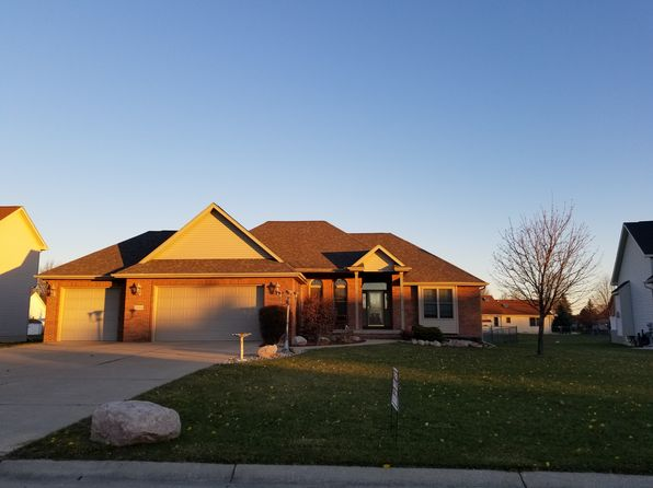 4 bed 3 bath Single Family at 5086 HIGHPOINT DR SWARTZ CREEK, MI, 48473 is for sale at 270k - 1 of 19