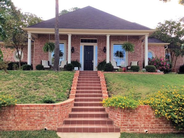 4 bed 4 bath Single Family at 7770 Lamp Post Cv Tyler, TX, 75703 is for sale at 450k - 1 of 42