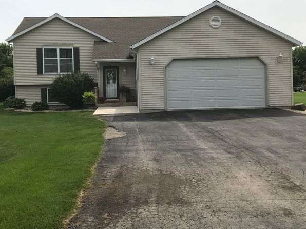 3 bed 3 bath Single Family at 417 Oak St Spring Valley, IL, 61362 is for sale at 182k - 1 of 18