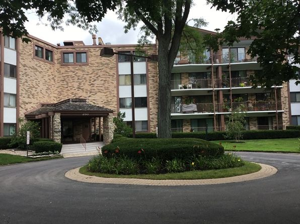 2 bed 2 bath Condo at 250 W Parliament Pl Mount Prospect, IL, 60056 is for sale at 156k - 1 of 12