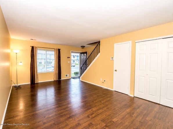 2 bed 2 bath Townhouse at 85 Creek Rd Brick, NJ, 08724 is for sale at 143k - 1 of 15