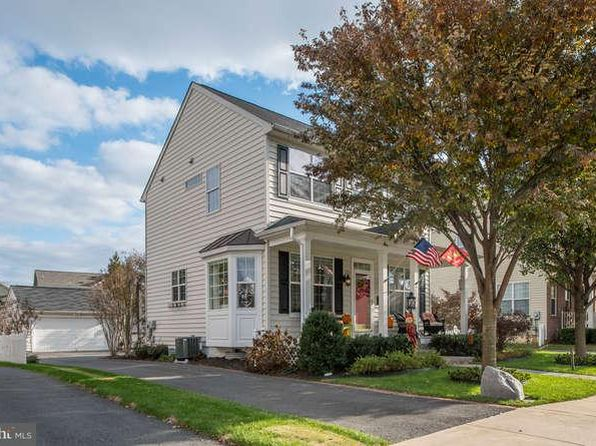 3 bed 4 bath Single Family at 9523 Loma Dr Bristow, VA, 20136 is for sale at 425k - 1 of 28