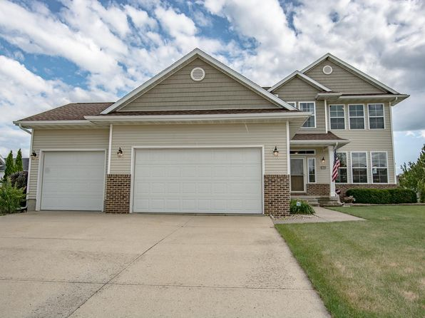 5 bed 4 bath Single Family at 2390 Wolf Run Hiawatha, IA, 52233 is for sale at 319k - 1 of 38