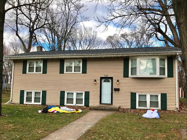 4 bed 1 bath Single Family at 1621 Avenue G Fort Madison, IA, 52627 is for sale at 105k - 1 of 29
