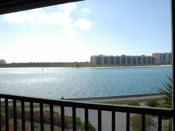 2 bed 3 bath Condo at 112 La Peninsula Blvd Naples, FL, 34113 is for sale at 400k - 1 of 10