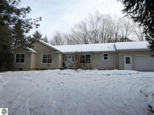 3 bed 3 bath Single Family at 1100 E Lincoln Rd Saint Louis, MI, 48880 is for sale at 225k - 1 of 29
