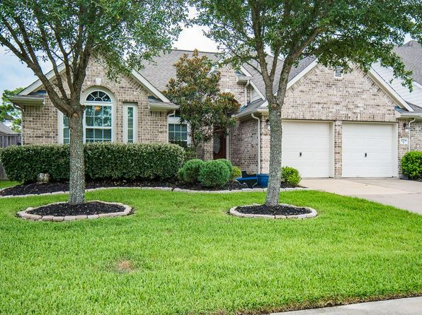 4 bed 2 bath Single Family at 2704 Chinaberry Park Ln League City, TX, 77573 is for sale at 258k - 1 of 32