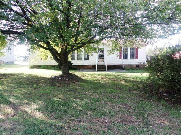 3 bed 2 bath Mobile / Manufactured at 106 Sheraton Ct King, NC, 27021 is for sale at 69k - 1 of 17