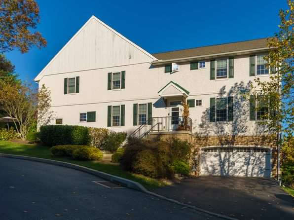 3 bed 4 bath Townhouse at 1901 Meadow Hunt Ln Newtown Square, PA, 19073 is for sale at 650k - 1 of 25