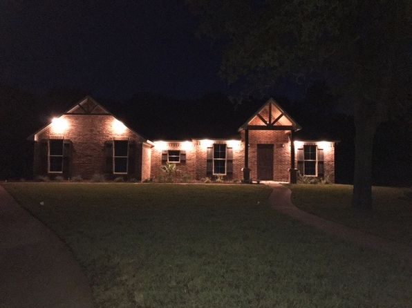 4 bed 3 bath Single Family at 2350 Austin Hines Dr China Spring, TX, 76633 is for sale at 380k - 1 of 5