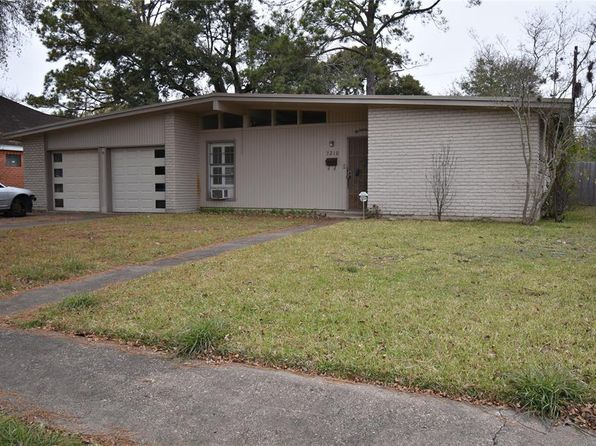 3 bed 2 bath Single Family at 7210 Mobud Dr Houston, TX, 77074 is for sale at 200k - 1 of 24