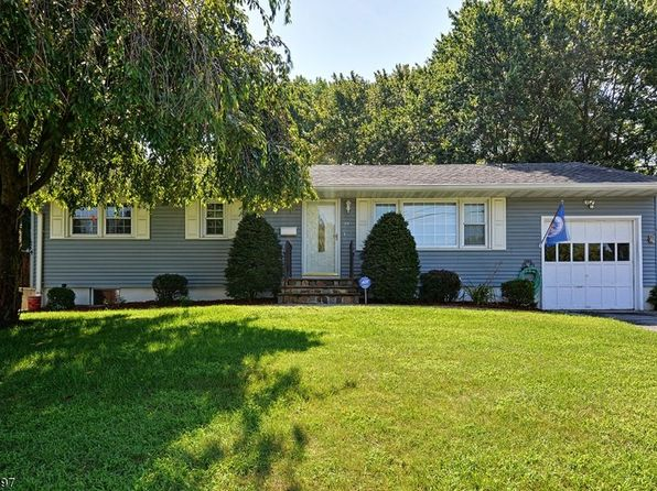 3 bed 2 bath Single Family at 22 Valley View Dr Mine Hill, NJ, 07803 is for sale at 320k - 1 of 24