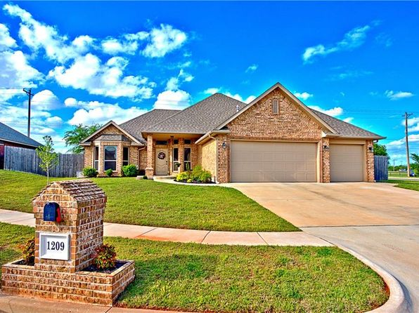 3 bed 2 bath Single Family at 1209 NE 11th Pl Moore, OK, 73160 is for sale at 225k - 1 of 20