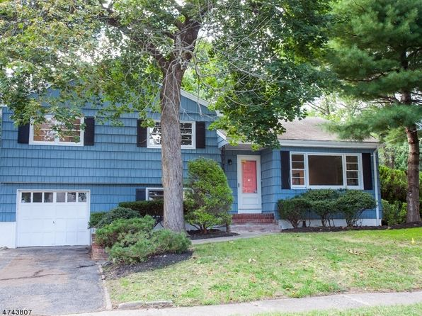 3 bed 3 bath Single Family at 70 Golf Rd Bloomfield, NJ, 07003 is for sale at 449k - 1 of 24