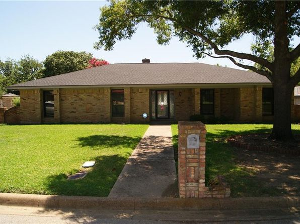 4 bed 3 bath Single Family at 4375 Rota Cir Fort Worth, TX, 76133 is for sale at 215k - 1 of 16