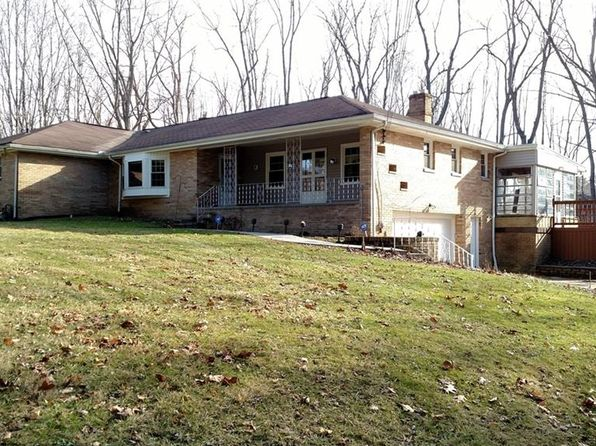 3 bed 2 bath Single Family at 17152 S Meadowpark Dr Bedford, OH, 44146 is for sale at 219k - 1 of 19