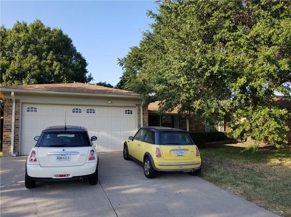 3 bed 2 bath Single Family at 3532 Park Lake Dr Fort Worth, TX, 76133 is for sale at 135k - 1 of 3