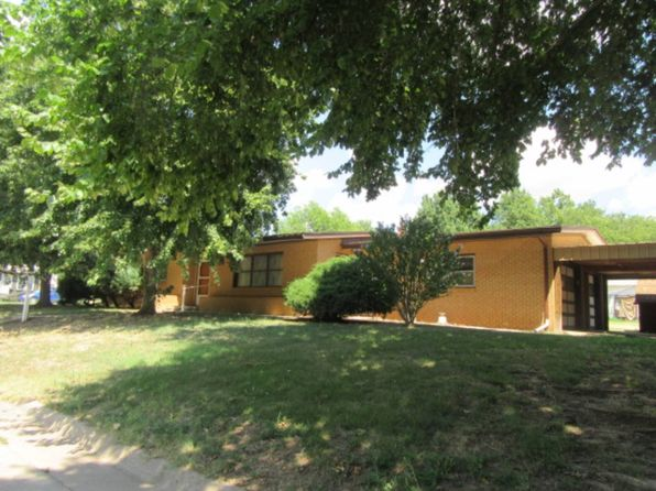 3 bed 1 bath Single Family at 734 N Elm St Kingman, KS, 67068 is for sale at 70k - 1 of 21