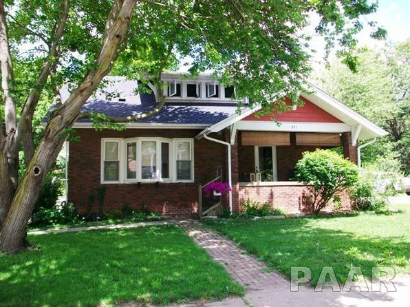 4 bed 2 bath Single Family at 271 W Walnut St Canton, IL, 61520 is for sale at 170k - 1 of 36