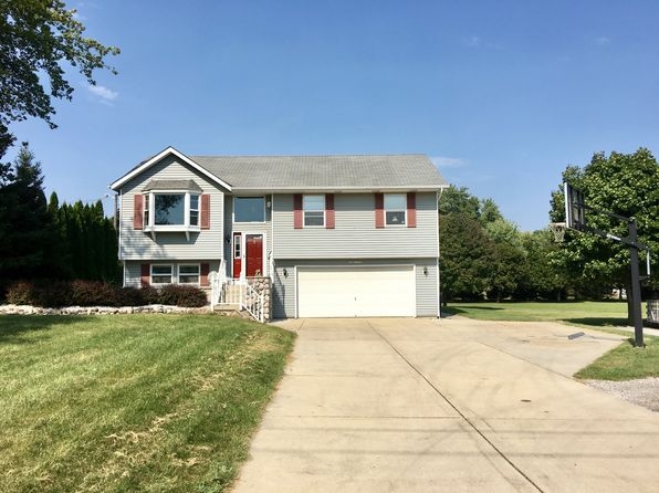 3 bed 3 bath Single Family at N64W14152 Mill Rd Menomonee Falls, WI, 53051 is for sale at 309k - 1 of 16