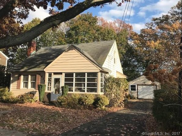 3 bed 1 bath Single Family at 415 HOUSATONIC DR MILFORD, CT, 06460 is for sale at 275k - 1 of 32