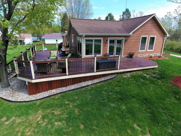 2 bed 1 bath Single Family at 9011 Lake Dr Reed City, MI, 49677 is for sale at 155k - 1 of 45