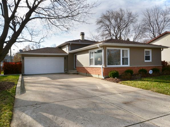 3 bed 2 bath Single Family at 1105 E Barberry Ln Mount Prospect, IL, 60056 is for sale at 370k - 1 of 26