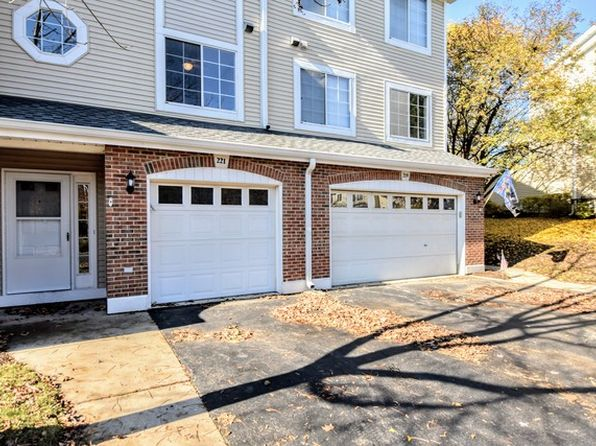 3 bed 2 bath Townhouse at 221 E Parallel St Palatine, IL, 60067 is for sale at 200k - 1 of 18