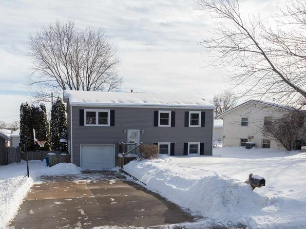 4 bed 2 bath Single Family at 1428 GLENWOOD DR LE CLAIRE, IA, 52753 is for sale at 175k - 1 of 19