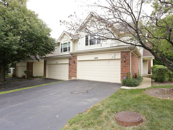 2 bed 3 bath Townhouse at 2250 Seaver Ln Hoffman Estates, IL, 60169 is for sale at 275k - 1 of 25