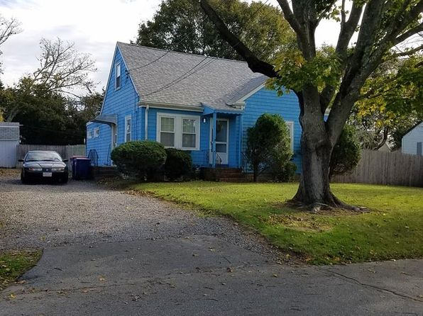 3 bed 1 bath Single Family at 7 Weeden Pl Fairhaven, MA, 02719 is for sale at 230k - 1 of 16