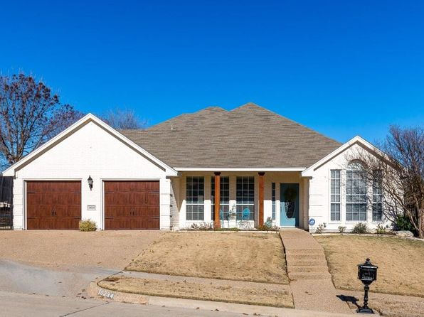 4 bed 3 bath Single Family at 10234 Trail Ridge Dr Benbrook, TX, 76126 is for sale at 350k - 1 of 36