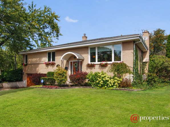 3 bed 3 bath Single Family at 443 W Commonwealth Ln Elmhurst, IL, 60126 is for sale at 365k - 1 of 18