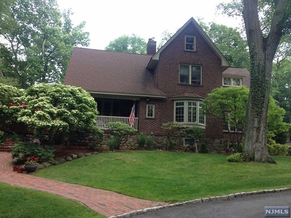 5 bed 4 bath Single Family at 81 Malcolm Rd Mahwah, NJ, 07430 is for sale at 749k - 1 of 25