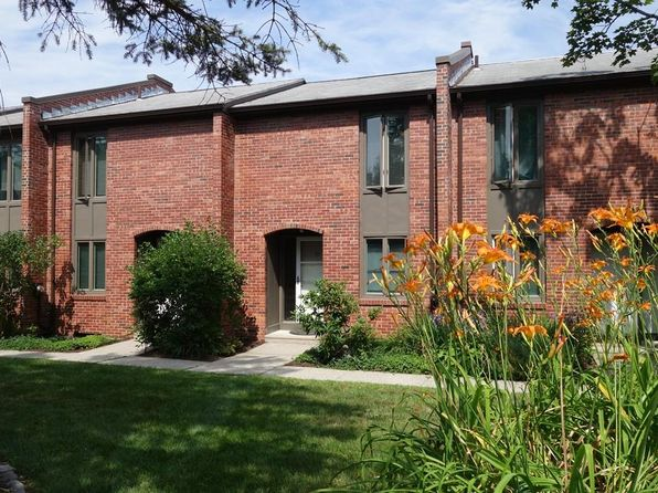 2 bed 1 bath Condo at 10 Bedford Ct Amherst, MA, 01002 is for sale at 180k - 1 of 27
