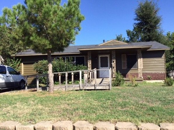 2 bed 1 bath Single Family at 1722 English St Irving, TX, 75061 is for sale at 120k - 1 of 11