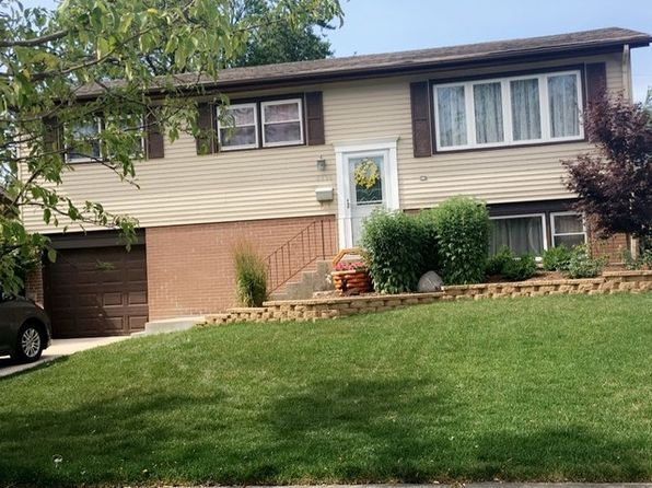 4 bed 2 bath Single Family at 8936 W 91st Pl Hickory Hills, IL, 60457 is for sale at 240k - 1 of 20