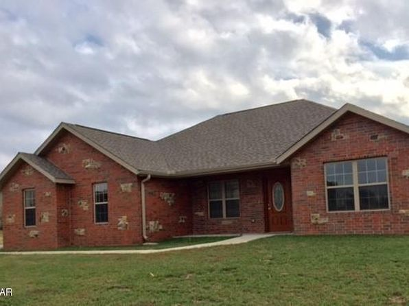 4 bed 3 bath Single Family at 2902 29th St W Joplin, MO, 64804 is for sale at 229k - 1 of 33