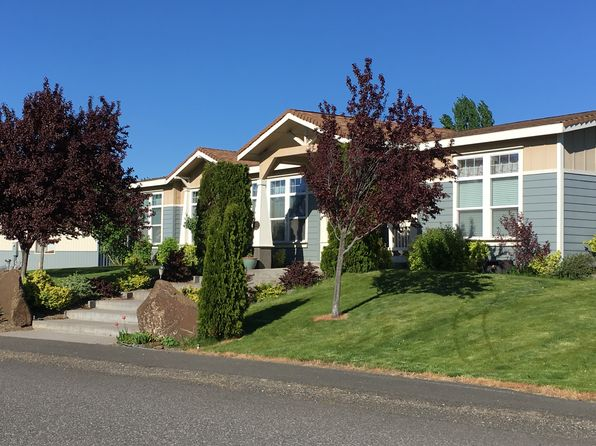 4 bed 3 bath Mobile / Manufactured at 220 D St Dallesport, WA, 98617 is for sale at 550k - 1 of 9