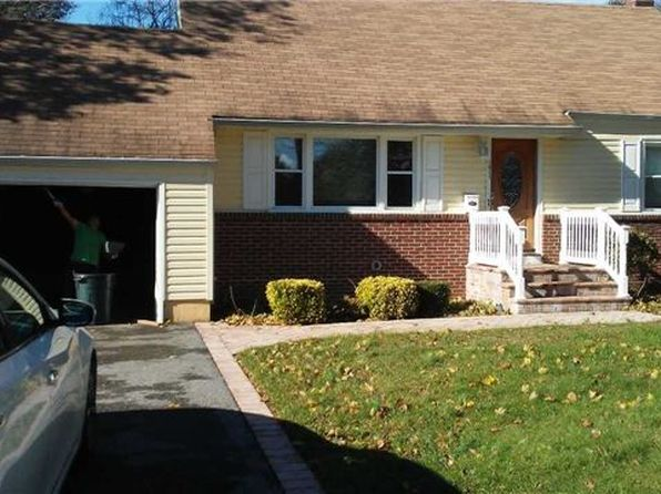 3 bed 3 bath Single Family at Undisclosed Address GREENLAWN, NY, 11740 is for sale at 325k - 1 of 3