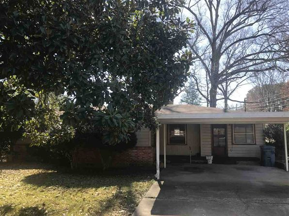 4 bed 2 bath Single Family at 1500 E Lantrip St Kilgore, TX, 75662 is for sale at 95k - 1 of 10