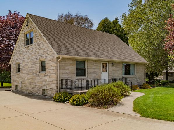4 bed 2 bath Single Family at 1931 Washington St Grafton, WI, 53024 is for sale at 274k - 1 of 20