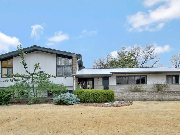4 bed 3 bath Single Family at 661 N Stratford Ln Wichita, KS, 67206 is for sale at 250k - 1 of 35