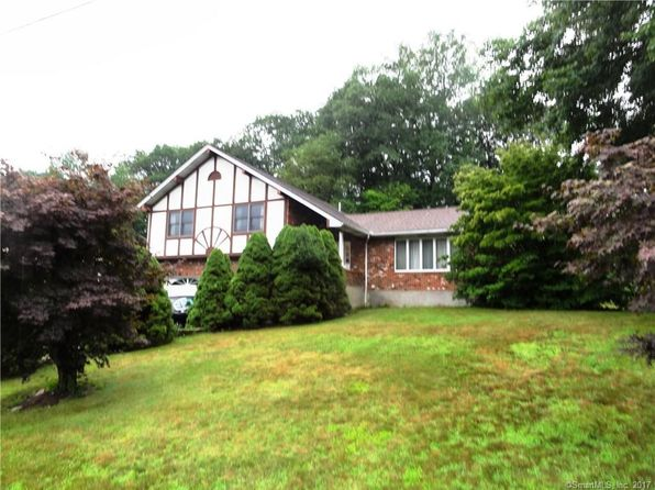 3 bed 3 bath Single Family at 67 Middleway E Waterbury, CT, 06708 is for sale at 190k - 1 of 12