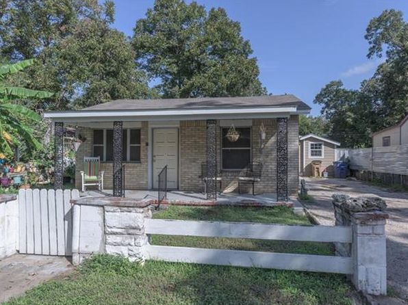 4 bed 3.5 bath Single Family at 2210 Canterbury St Austin, TX, 78702 is for sale at 500k - 1 of 17