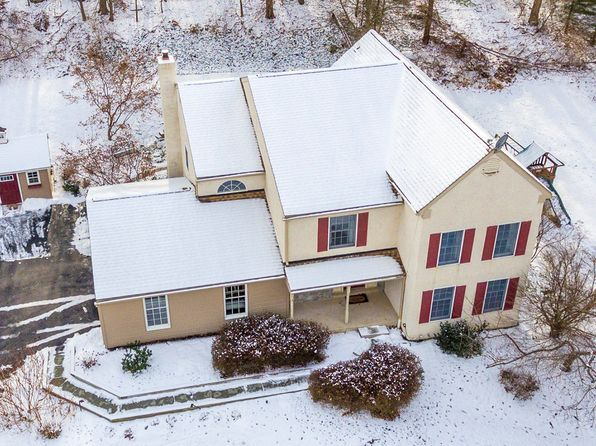 4 bed 4 bath Single Family at 535 Fillman Rd Downingtown, PA, 19335 is for sale at 450k - 1 of 18