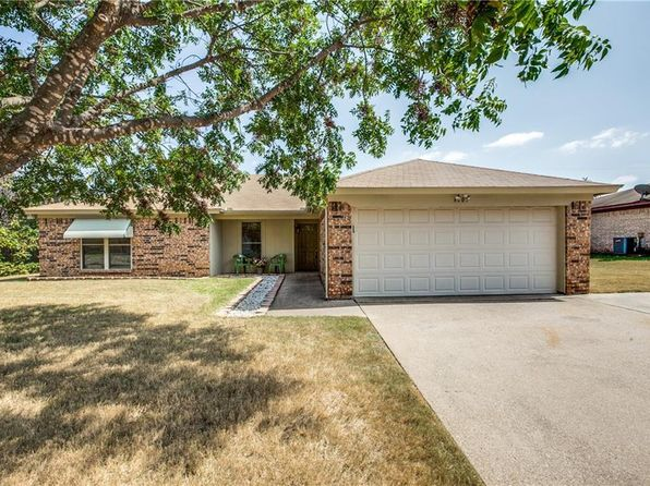 3 bed 2 bath Single Family at 6003 Maple Springs Dr Arlington, TX, 76001 is for sale at 200k - 1 of 19