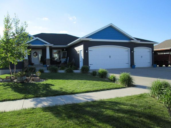 5 bed 2.75 bath Single Family at 1245 Cherry Dr Watertown, SD, 57201 is for sale at 305k - 1 of 29
