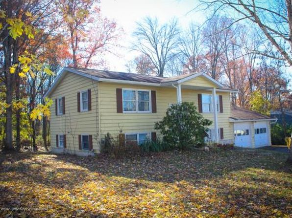 3 bed 2 bath Single Family at 10-12 Corbin Owego, NY, 13827 is for sale at 143k - 1 of 24