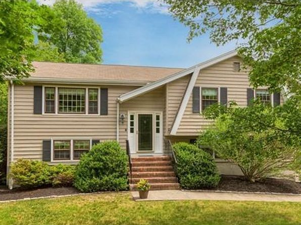 4 bed 3 bath Single Family at 8 Fox Run Rd Danvers, MA, 01923 is for sale at 525k - 1 of 23